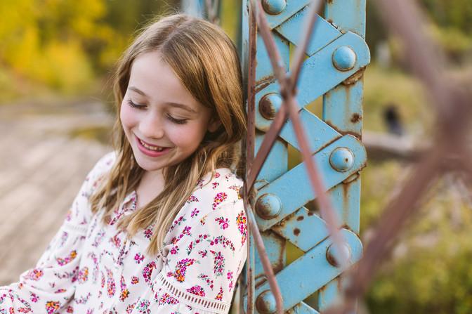Edmonton-Photographer-teen-girl-fall-fam