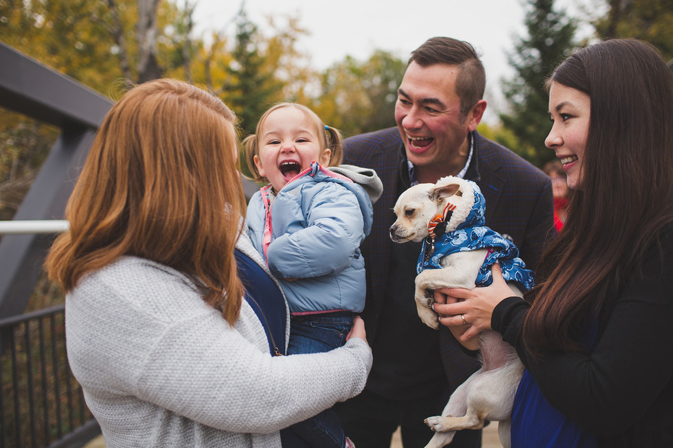 Edmonton-extended-family-photographer-la