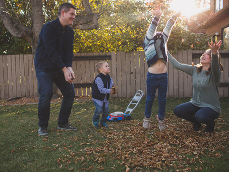 Elise & Owen | Backyard lifestyle family photographer Edmonton