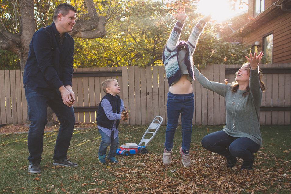 edmonton-family-photographer-fall-leaves