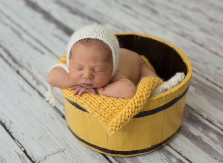 Oliver | Are family photos included with my newborn photos?