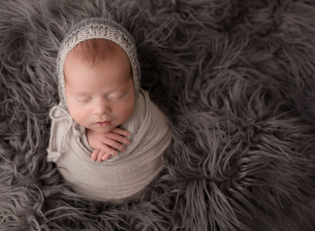 Carter | Newborn photographer in Edmonton