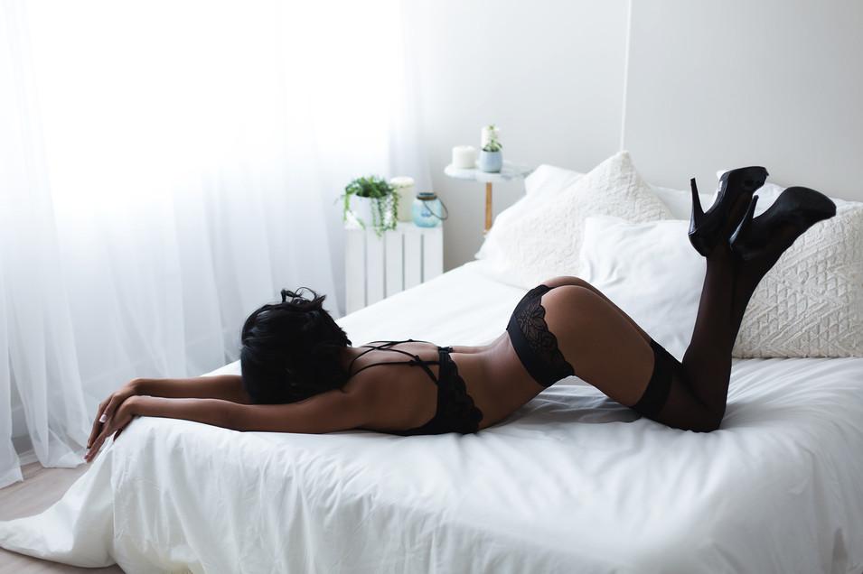 edmonton-boudoir-photographer-christy-wells-10.jpg