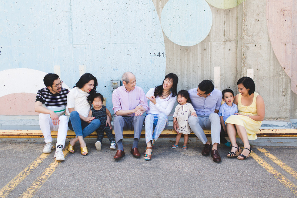 Edmonton-photographer-lifestyle-extended-family-portraits-Christy-Wells-.jpg