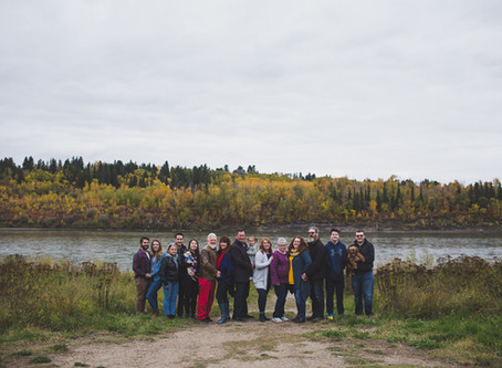 The B Family - Extended Family photographer Edmonton