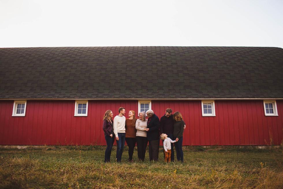 edmonton-fall-family-red-barn-photographer-Scholten-Christy-Wells-2.jpg
