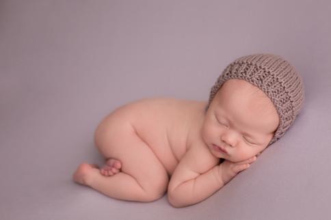 Edmonton-Newborn-photographer-purple-bum