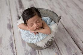 Edmonton-Photographer-newborn-Caiden-chr
