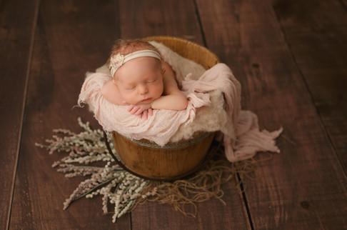 Edmonton-Photographer-sydney-newborn-chr
