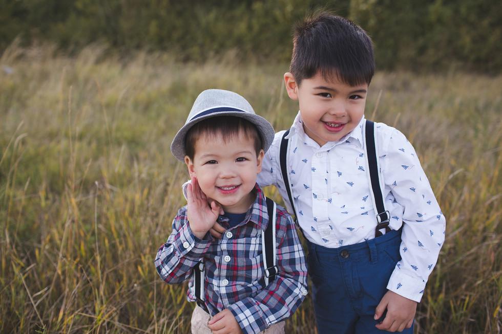 Edmonton-family-photographer-brothers-fall-E&M.jpg