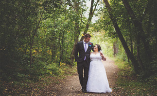 Edmonton-photographer-wedding-couple-fal