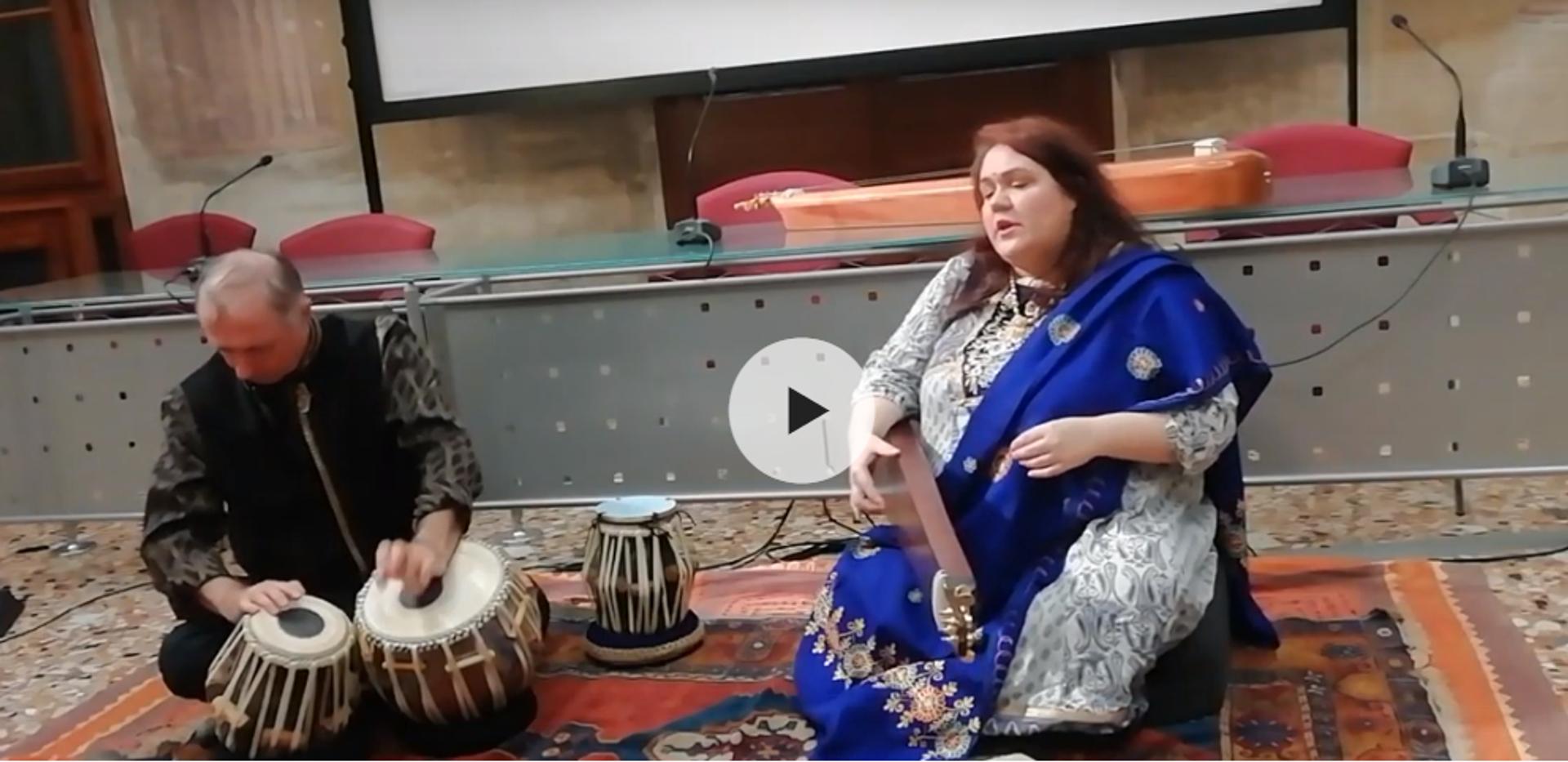 Canto indiano accompagnato dal tabla