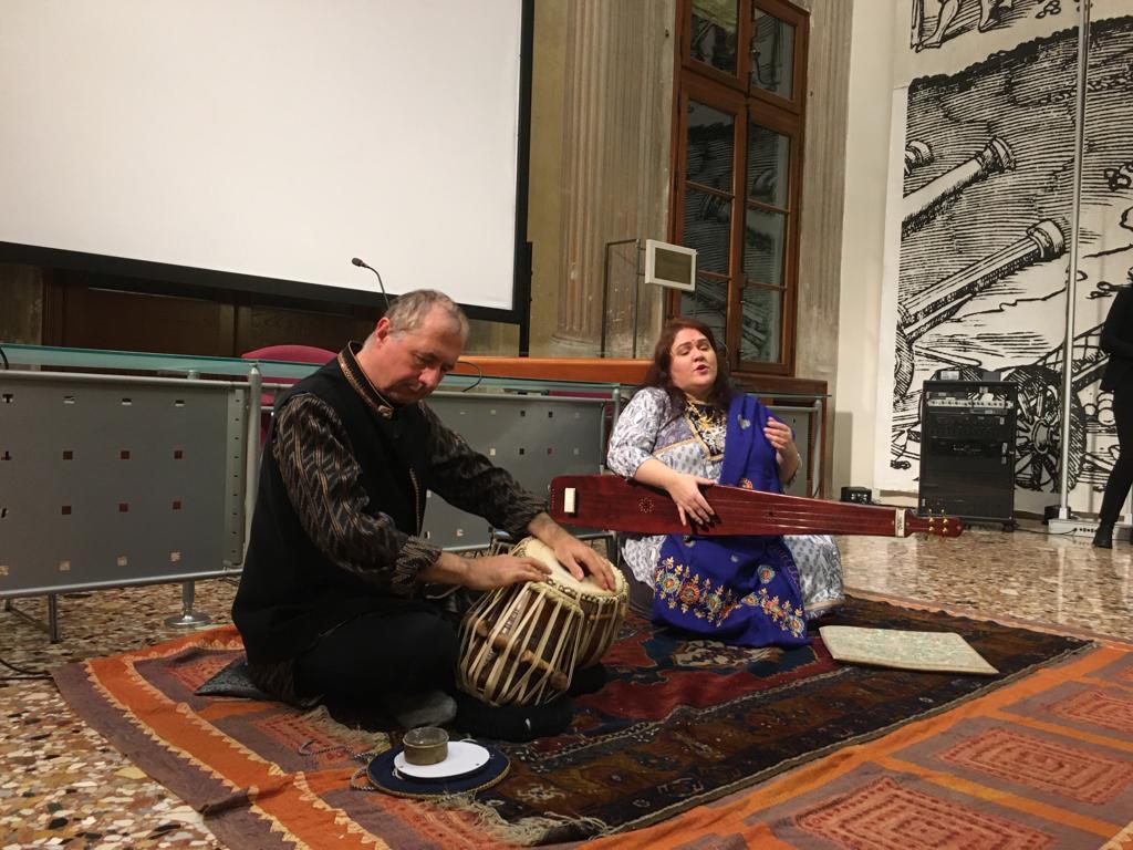 canto indiano e tabla