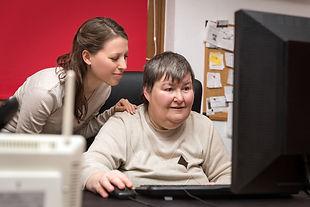 Computer-Tech-Support Disabled Listen