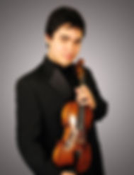 Si-Yo Artist™ Eric Silberger plays the 1757 J.B. Guadagnini violin.