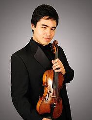 Si-Yo Artist™ Eric Silberger plays the 1757 J.B. Guadagnini violin.
