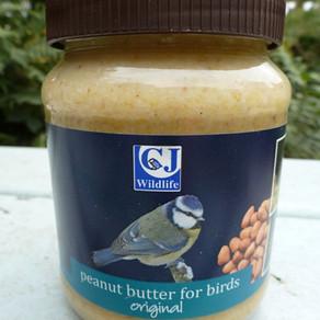 CJ Wild Bird Foods feeders on test