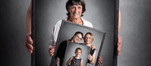 Portrait de famille intergénérationnel.jpg
