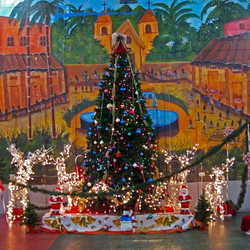 Irving Bazar Christmas Tree