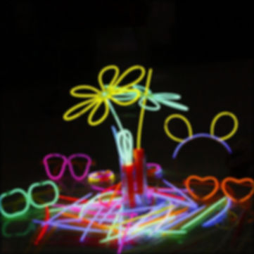 Custom-glow-stick-china-for-Party-Glowst