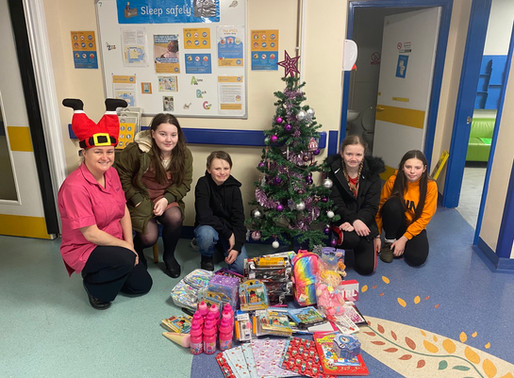#RCommunity students Christmas kindness