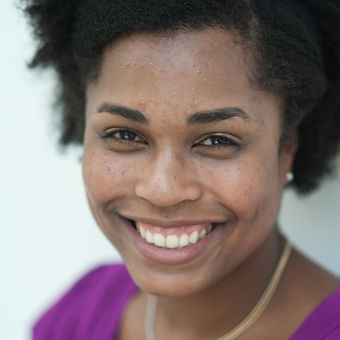Alyssa Simmons Headshot by Flordelino La