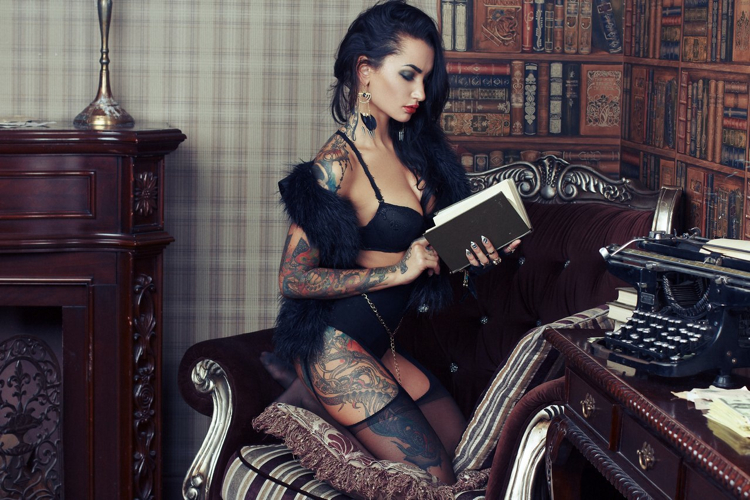 @Tattooed Ladies_Girls Definitely in Con