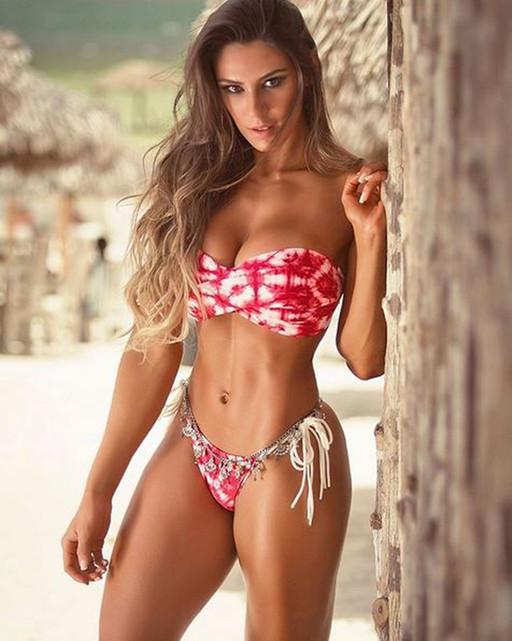 Fitness Model  Carol Saraiva