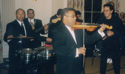 Mariano and Marc Anthony White House Perf 001