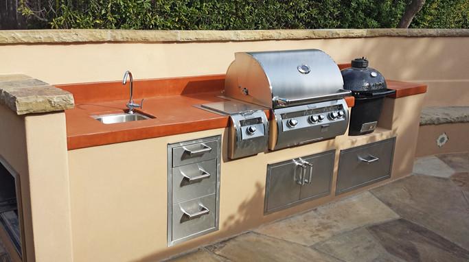 Custom Outdoor Kitchen