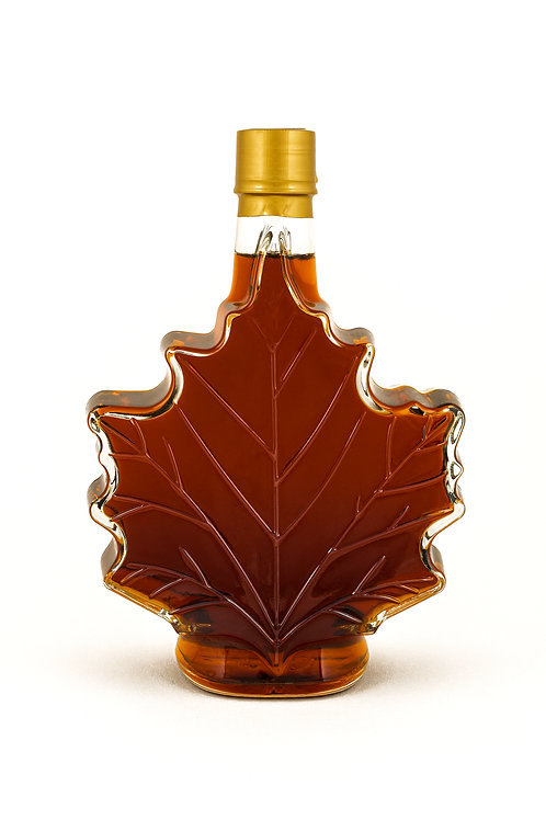 Grade A dark maple syrup in maple leaf bottle (500ml)