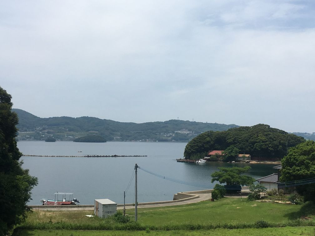 橘島と自社渡船場と駐車場