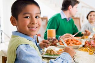 10 Trucos para que tus hijos coman mejor