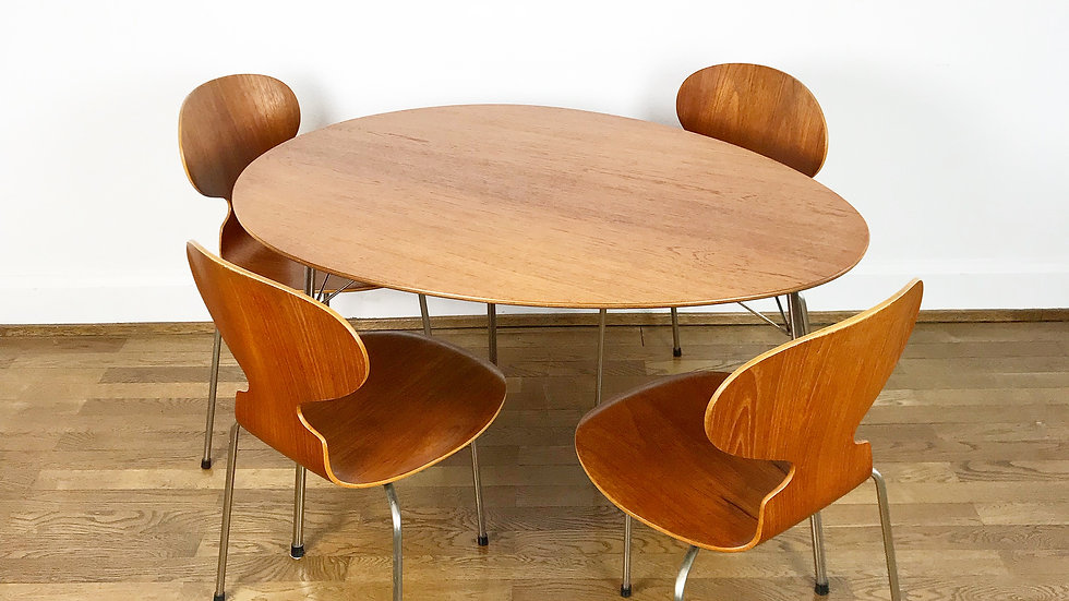 Arne Jacobsen Egg Table & Four Ant Chairs 1950s