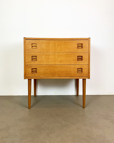 Danish Chest of Drawers in Oak 60s