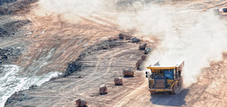 traktor på byggeplassen