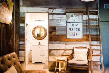 Central Texas Wedding Venue - Groom's Quarters