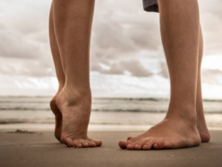 ¡Lo dice la ciencia! Estudio revela que mujeres con novios altos son más felices