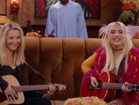 'Friends': Lady Gaga y Lisa Kudrow cantan 'Smelly Cat'