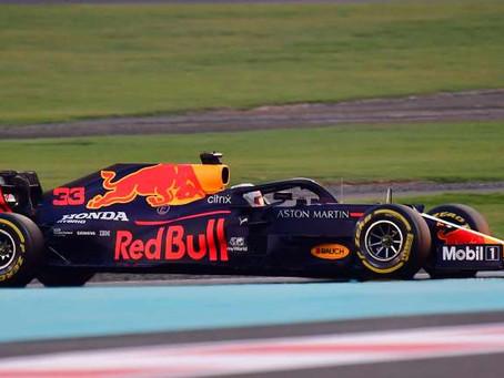 Red Bull revela coche con el que buscará cortar racha ganadora de Mercedes en Fórmula 1
