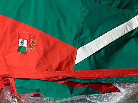 Selección Mexicana de Softbol tira a la basura sus uniformes de Juegos Olímpicos de Tokio