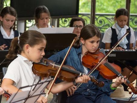 ¿Qué es la educación artística y cuáles son los beneficios de incluirla en el desarrollo de los niño