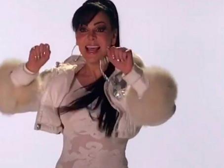 Maribel Guardia hace baile navideño sexy y le llueven críticas