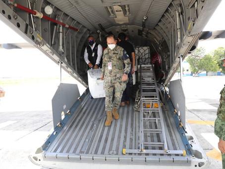 Llega a Yucatán otro cargamento con 77,400 dosis para continuar con la vacunación de jóvenes