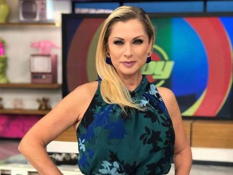 Leticia Calderón, a sus 52 años, luce hermosa