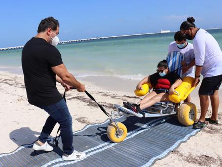 El alcalde Julián Zacarías Curi visita la playa incluyente del malecón tradicional