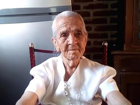 Youtuber que cocina quiere vivir de sus recetas; tiene 87 años