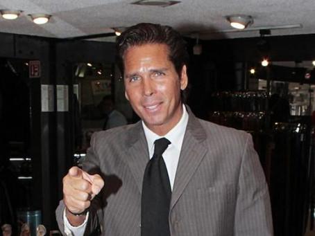 Roberto Palazuelos gana 100 mil pesos al mes por mandar saludos