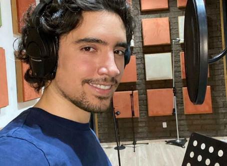 Apoyado por papá y abuelo, Alex Fernández refresca el mariachi
