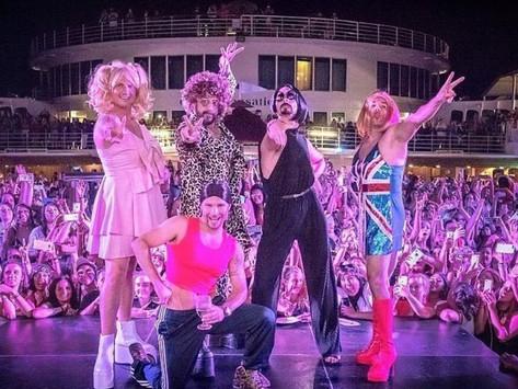 Los Backstreet Boys se disfrazan como las Spice Girls y sorprenden con homenaje en concierto